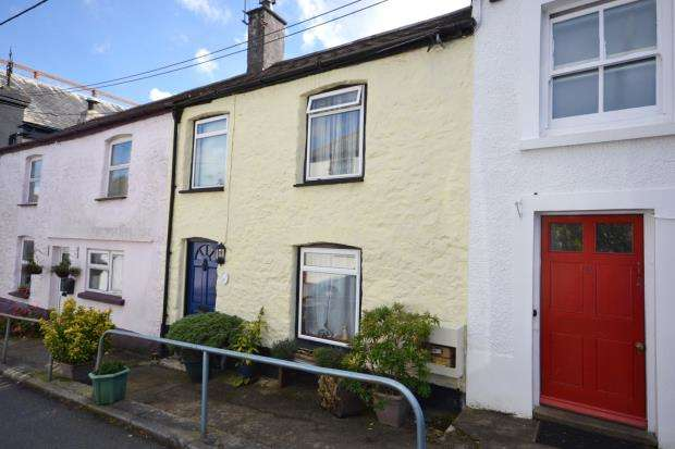 2 Bedrooms Terraced House for sale in Chapel Street, Gunnislake, Cornwall