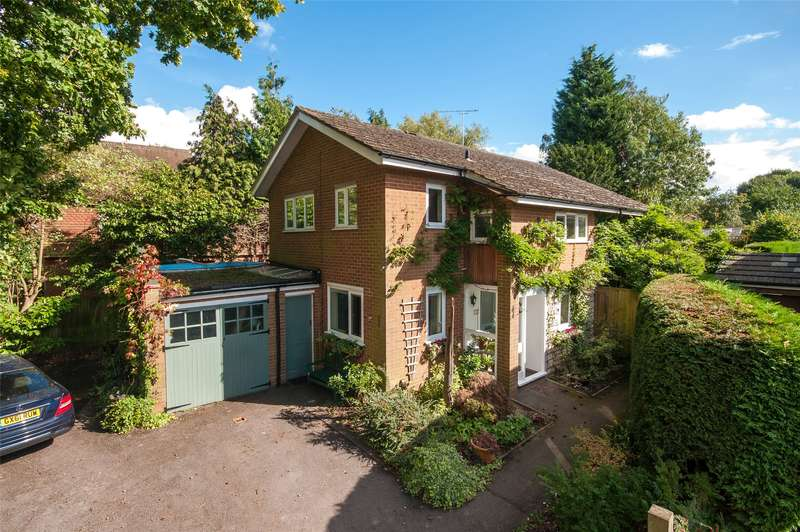 4 Bedrooms Detached House for sale in Croydon Road, Reigate, RH2