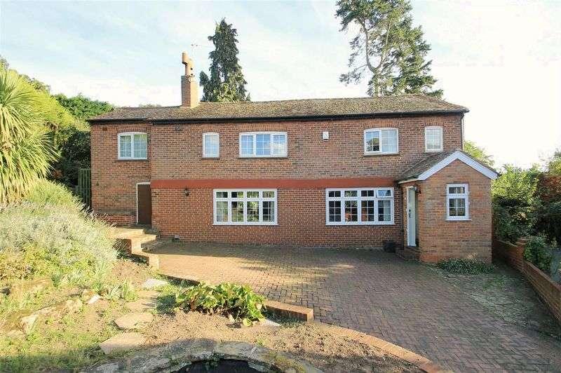 4 Bedrooms Detached House for sale in Rural Send