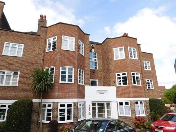 2 Bedrooms Flat for sale in St. Marks Hill, Surbiton