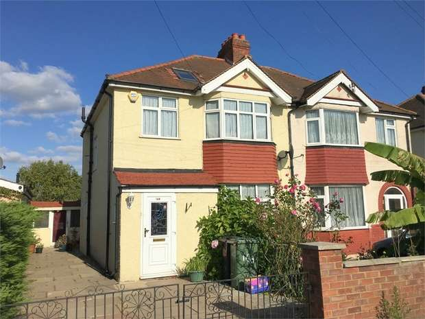 3 Bedrooms Semi Detached House for sale in Chessington Road, West Ewell