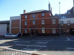 2 Bedrooms Flat for sale in The Broadway, Maidstone, Kent