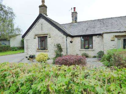 2 Bedrooms Bungalow for sale in Church Lane, Peak Forest, Buxton, Derbyshire