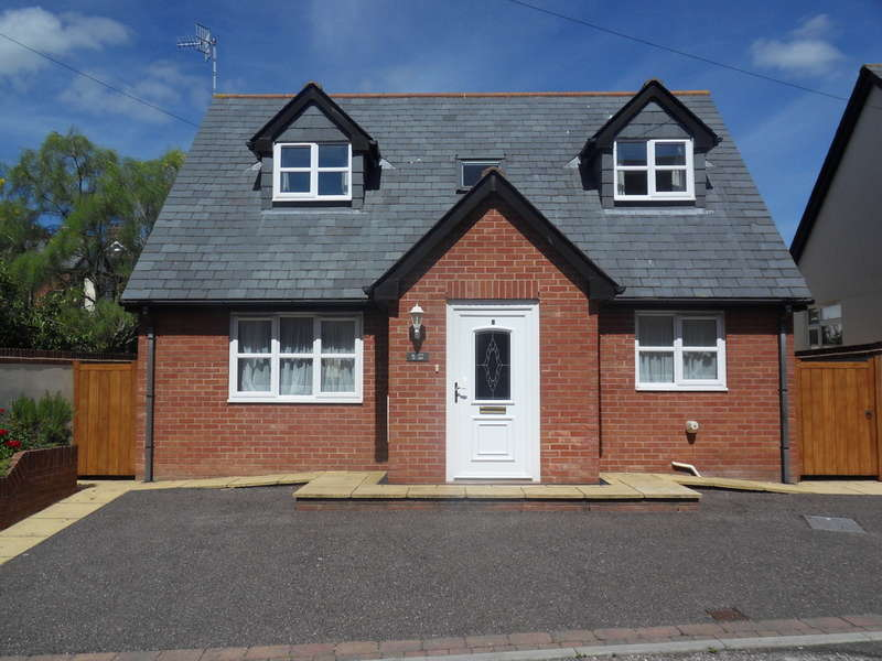 2 Bedrooms Detached House for sale in Raleigh Road, Exmouth
