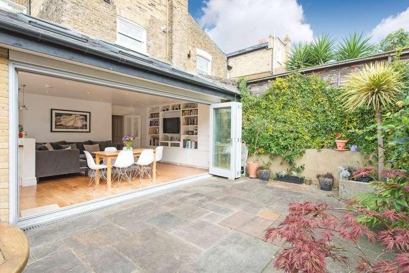 2 Bedrooms Flat for sale in Belleville Road, Battersea, London