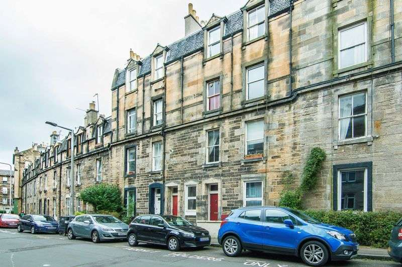2 Bedrooms Flat for sale in 19 Blackwood Crescent, Newington, Edinburgh EH9 1RA