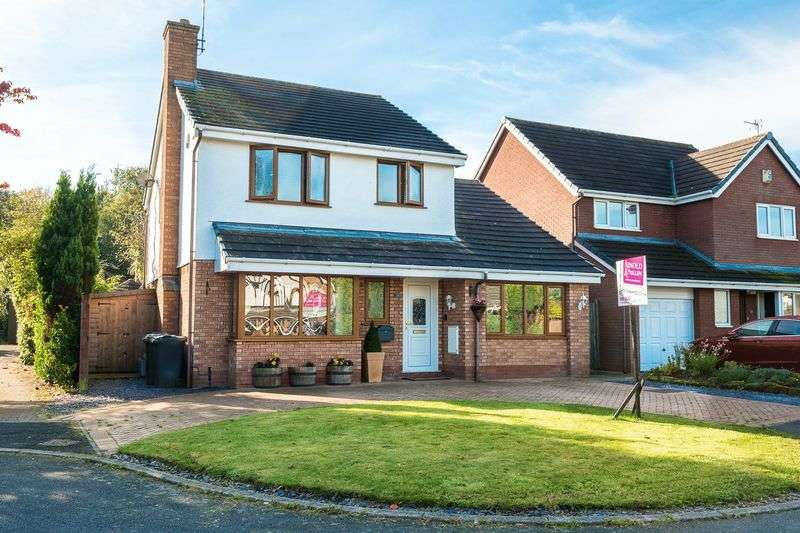3 Bedrooms Detached House for sale in Hall Brow Close, Ormskirk