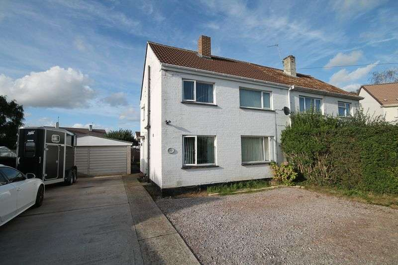 3 Bedrooms Semi Detached House for sale in Willow Way, Hurstpierpoint, West Sussex,