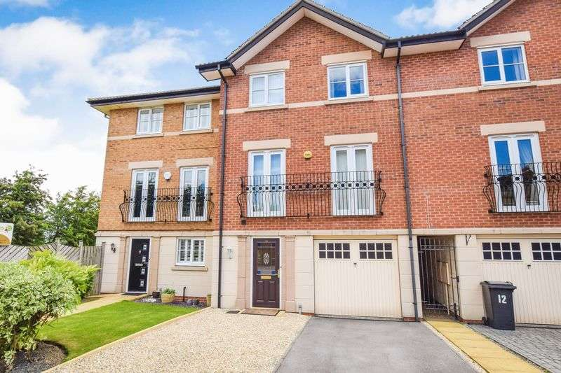 4 Bedrooms Terraced House for sale in Eyre Court, Bramley