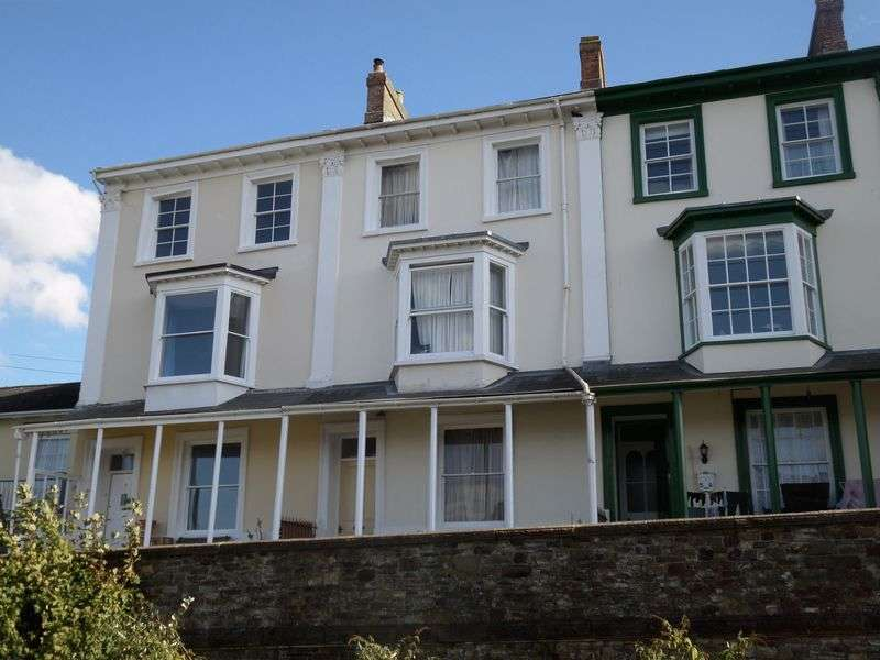 5 Bedrooms Terraced House for sale in Springfield Terrace, Bideford