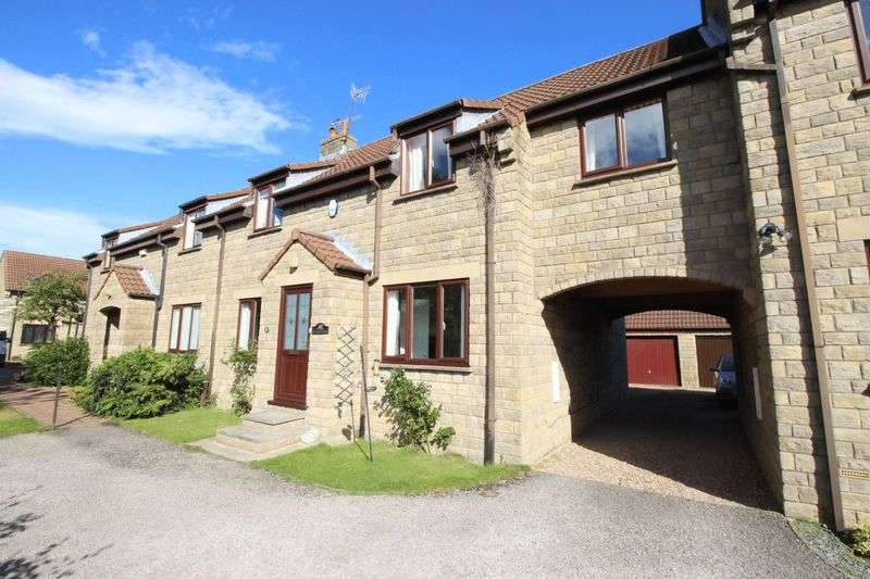 4 Bedrooms Semi Detached House for sale in The Green, Scarborough