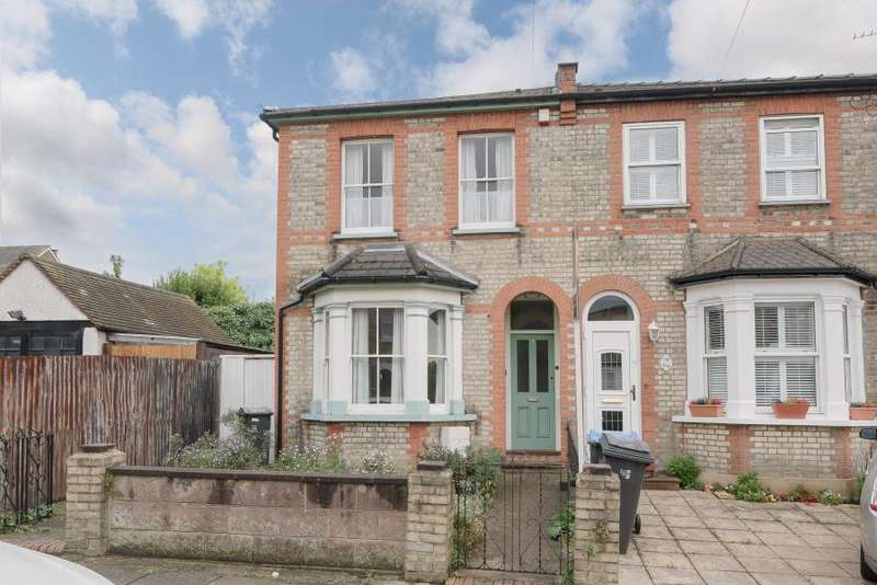 3 Bedrooms Semi Detached House for sale in Wyndham Road, Kingston upon Thames, KT2