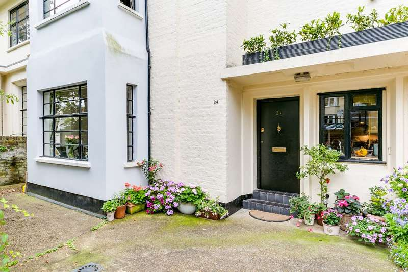 2 Bedrooms Maisonette Flat for sale in Arlington Court, East Twickenham/St. Margaret's