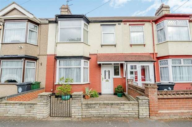 3 Bedrooms Terraced House for sale in Forest View Road, London