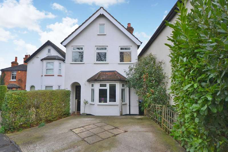 3 Bedrooms Detached House for sale in Row Town