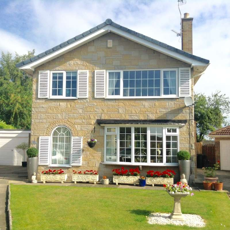 4 Bedrooms Detached House for sale in Cedar Covert, Wetherby, LS22 7XW