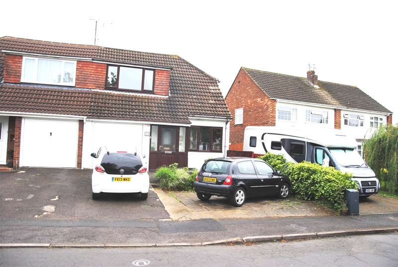 3 Bedrooms Property for sale in Slade Drive, Coleview, Swindon