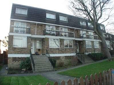 1 Bedroom Flat for sale in Kenton Lane, Harrow Weald
