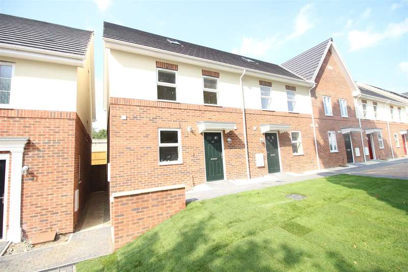 3 Bedrooms Property for sale in Newburn Crescent, Rodbourne, Swindon