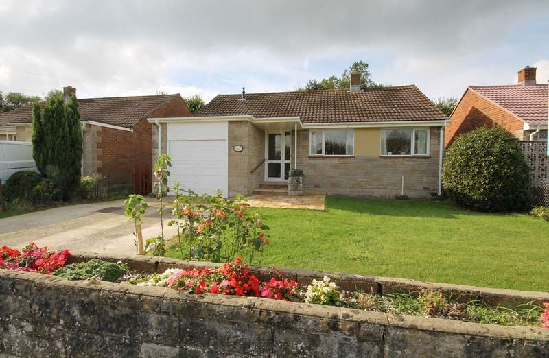 2 Bedrooms Detached Bungalow for sale in Freshwater, Isle of Wight