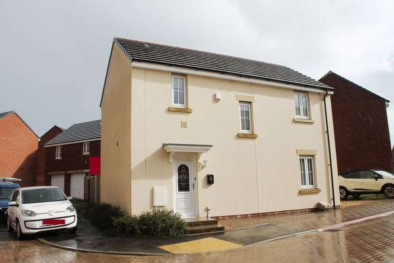 3 Bedrooms Detached House for sale in Lonydd Glas, Llanharan, CF729FW
