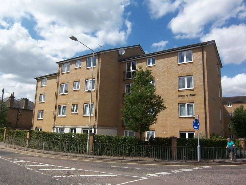 1 Bedroom Retirement Property for sale in Benstede Court, Brocket Road, Hoddesdon