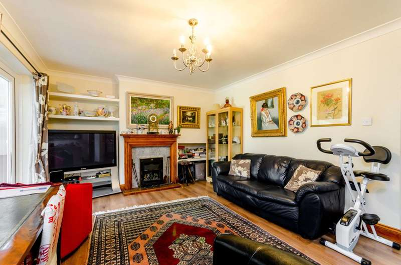 3 Bedrooms House for sale in Stroud Crescent, Putney Heath, SW15