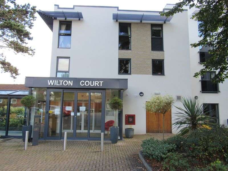 1 Bedroom Flat for sale in Wilton Court, Southbank Road, Kenilworth: One bed second floor Assisted Living retirement apartment