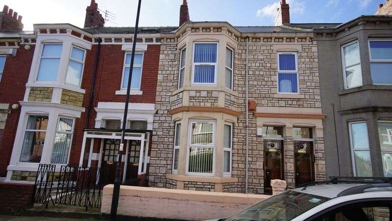 2 Bedrooms Flat for sale in BIDDLESTONE ROAD, Heaton