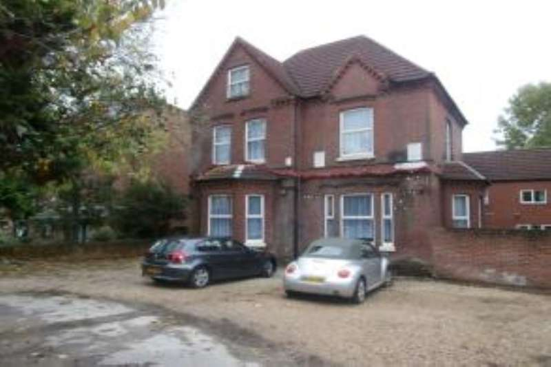 5 Bedrooms Property for rent in Westwood Road, Southampton, SO17