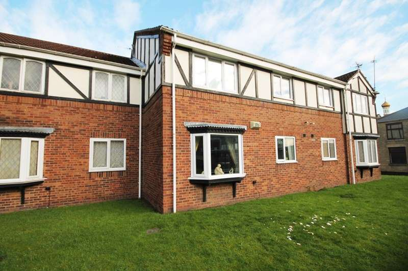 2 Bedrooms Flat for sale in Maplewood House, Halliwell, Bolton, Lancashire.
