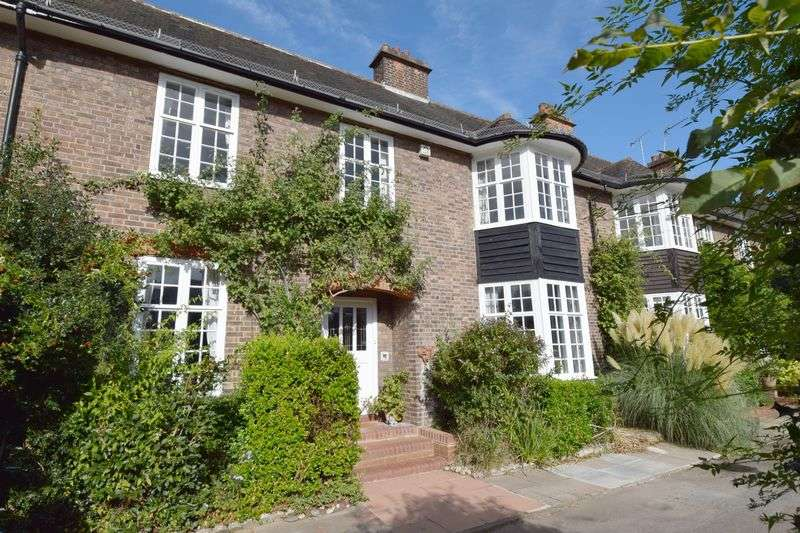 4 Bedrooms Terraced House for sale in Hampstead Way, Hampstead Garden Suburb, NW11