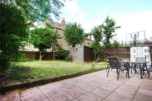 4 Bedrooms Semi Detached House for sale in St Stephens Avenue, Ealing