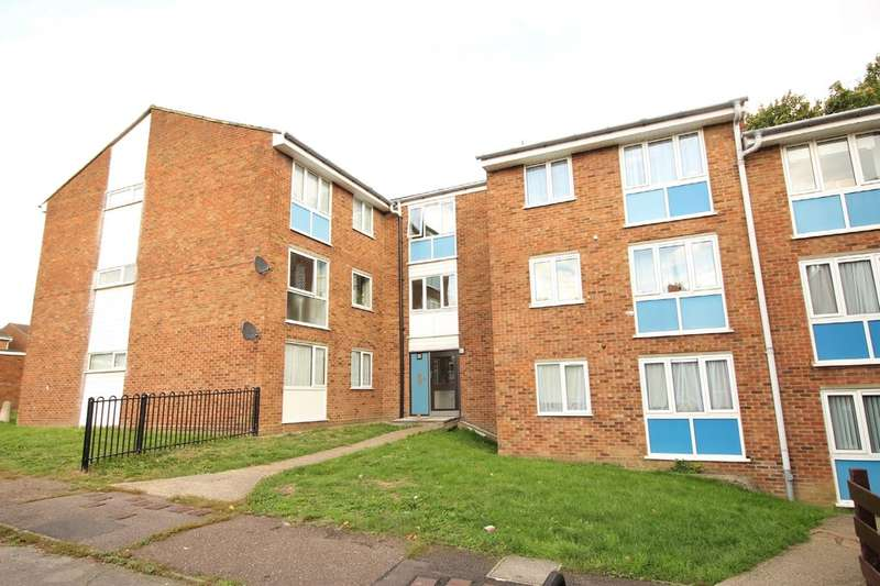 2 Bedrooms Flat for sale in Woodhall Farm, HERTS