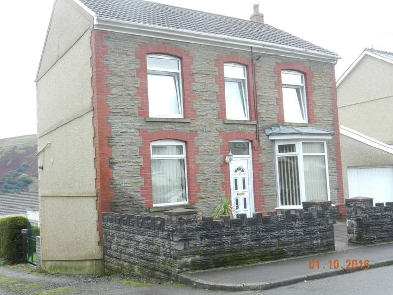 3 Bedrooms Detached House for sale in Clare Road, Ystrlyfera, SA9
