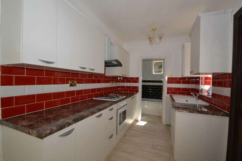 3 Bedrooms Terraced House for sale in Darnley Road, Grays, Essex, RM17