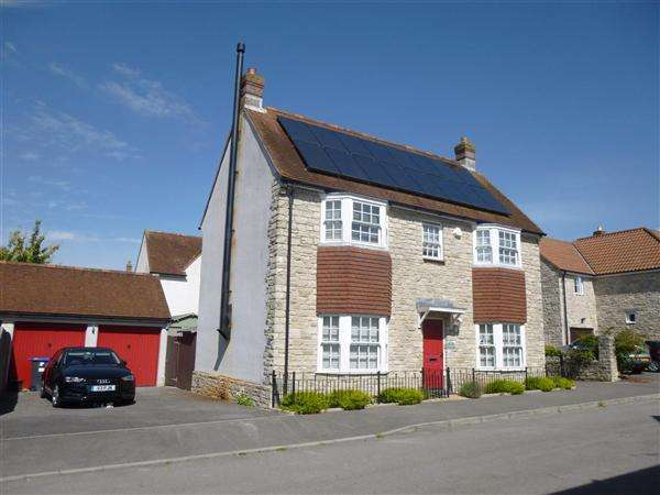 4 Bedrooms Detached House for sale in Spinners Way, Mere