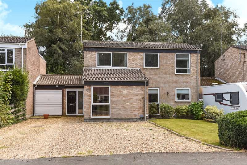 3 Bedrooms Link Detached House for sale in Verran Road, Camberley, Surrey, GU15