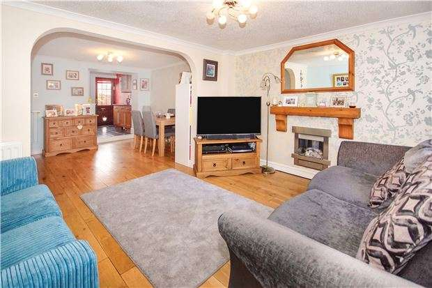 3 Bedrooms Terraced House for sale in Footshill Road, Hanham, BS15 8HB