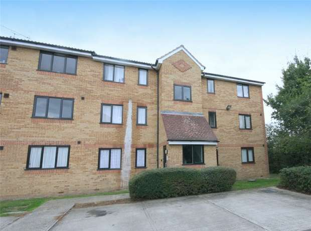 2 Bedrooms Flat for sale in Redford Close, Feltham, Middlesex