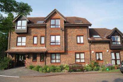 1 Bedroom Flat for sale in Bickerley Road, Ringwood, Hampshire