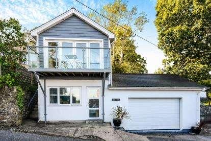 3 Bedrooms Detached House for sale in Llanbedrog, Gwynedd, LL53