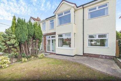 4 Bedrooms Semi Detached House for sale in Memorial Road, Hanham, Bristol, Gloucestershire