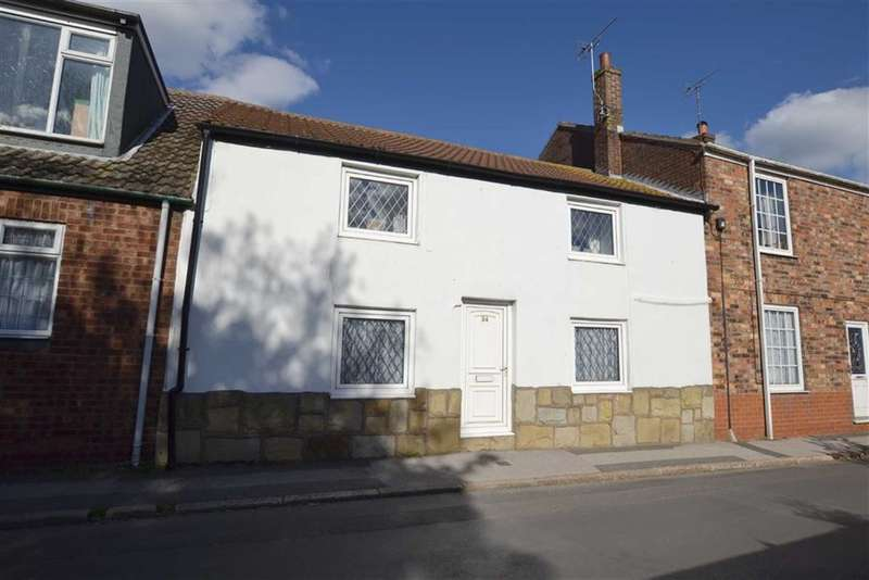 2 Bedrooms Property for sale in High Street, Bempton, East Yorkshire, YO15