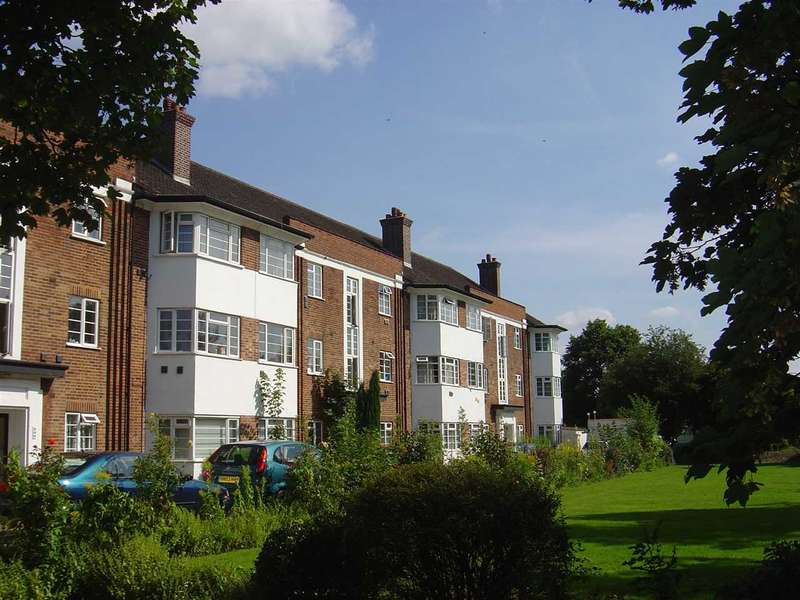 2 Bedrooms Apartment Flat for sale in West Court Development, Osterley