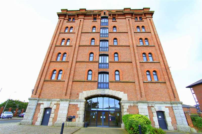 2 Bedrooms Apartment Flat for sale in Waterloo Warehouse, Waterloo Road, City Centre, Liverpool