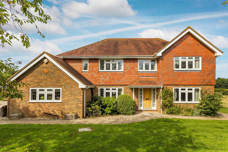 5 Bedrooms Detached House for sale in Popes Lane, Oxted, RH8
