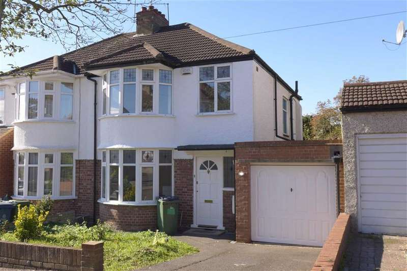 3 Bedrooms Property for sale in Drummond Drive, Stanmore, Middlesex