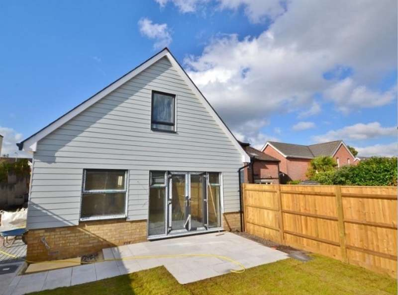 3 Bedrooms Chalet House for sale in FERNDOWN