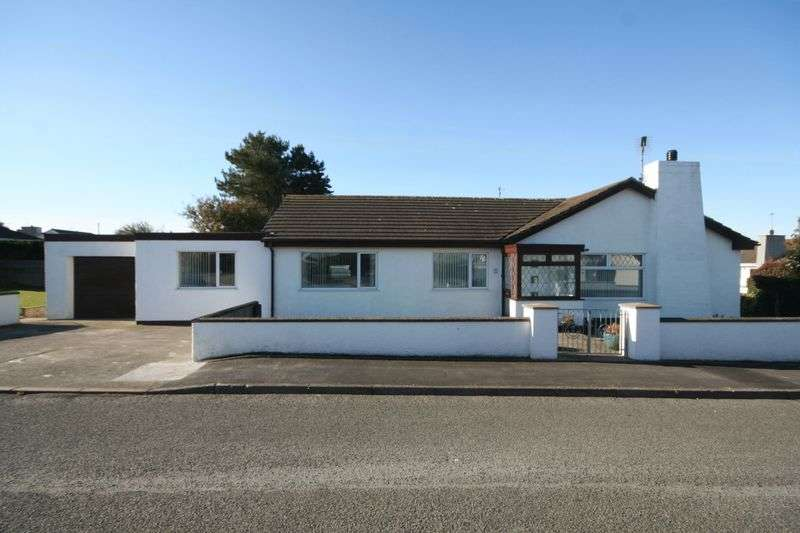 4 Bedrooms Detached Bungalow for sale in Lon Traeth, Valley, Anglesey